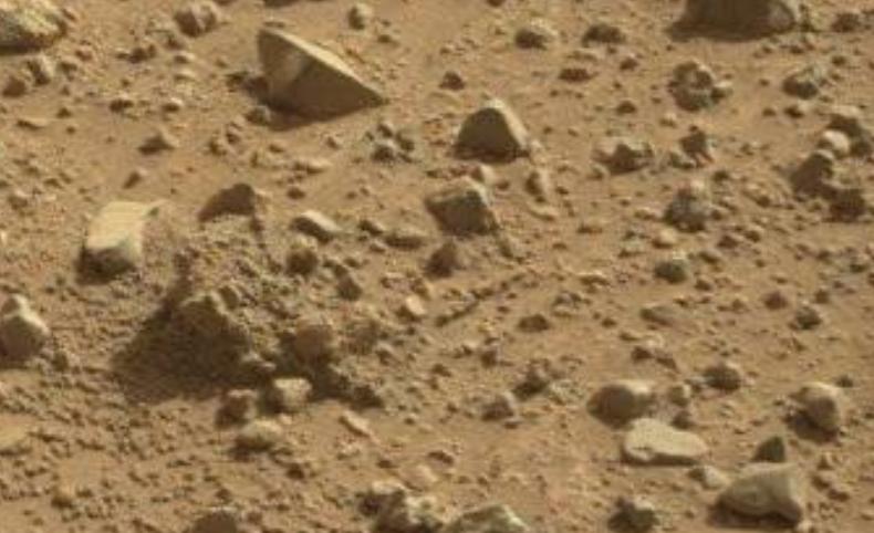 curiosol4db anomalies martiennes dans L'actu